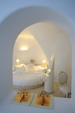 Cream Suite