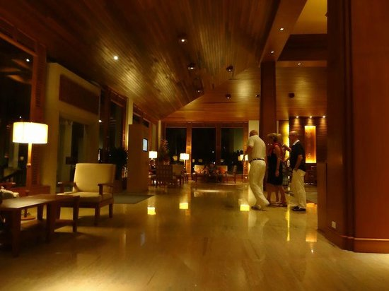 Katathani Phuket Beach Resort:                   ロビー