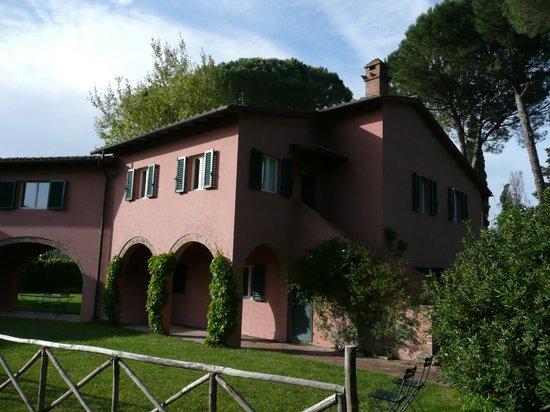 Residenza Le Versegge:                   Garden View Scuola