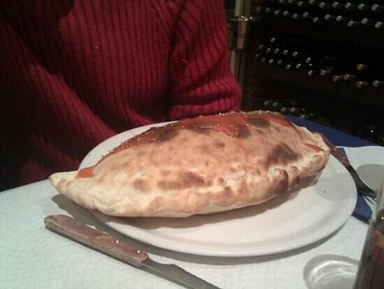 Ciao Italia: pizza calzone