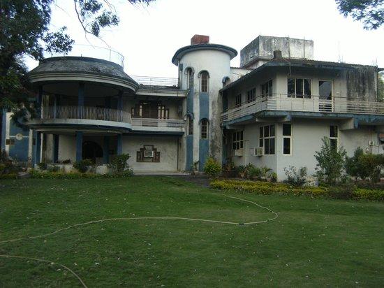 Giri Shingar Hotel:                   Super Deluxe Rooms