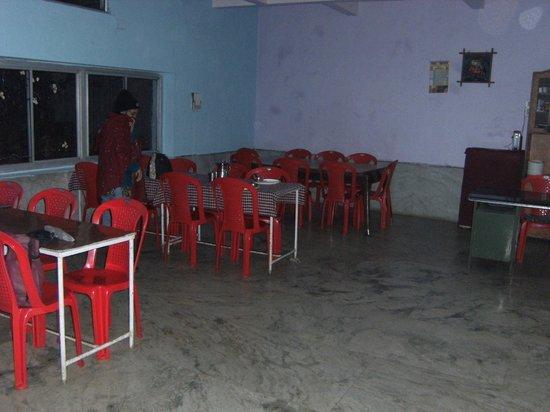 Giri Shingar Hotel:                   Restaurant