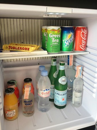 Vana Belle, A Luxury Collection Resort, Koh Samui: minibar