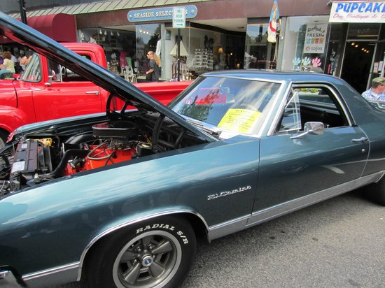 Main Street Hyannis: Hyannis Annual Antique Car Show