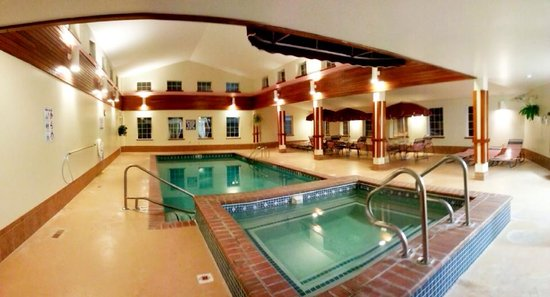 Newport City Inn & Suites: Indoor Heated Pool and Hot Tub