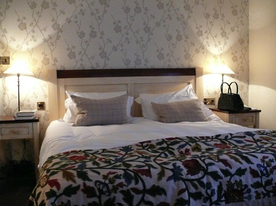 Linthwaite House :                   Typical Bedroom