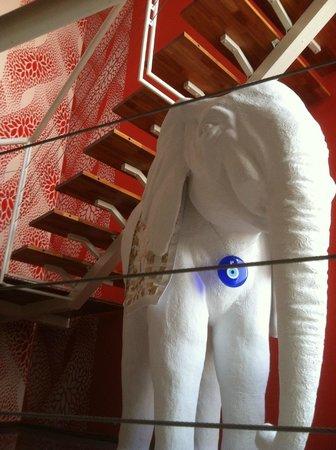 Los Muelles Boutique Hotel:                                     Arte en piso 1