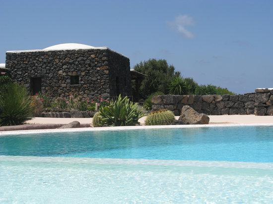 Dammusi e Relax: piscina