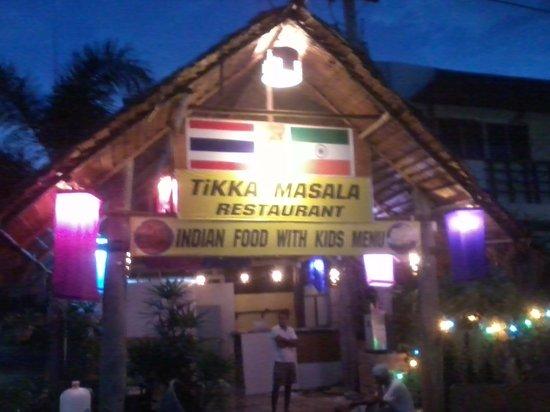 Jumbo Tikka:                   decent service