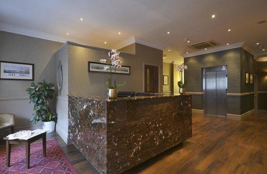 Princes Square Hotel: Reception