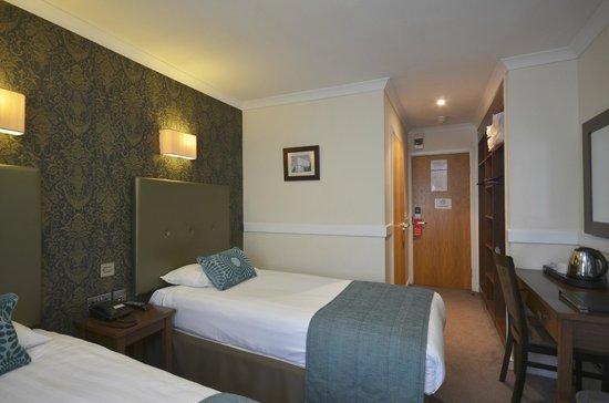 Princes Square Hotel: Twin Room