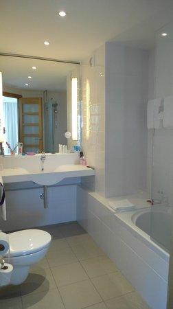 Novotel Barcelona City:                   Banheiro