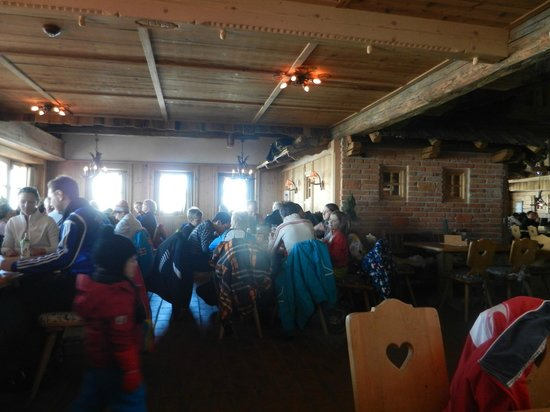 Hohe Mut Alm: Traditional decor