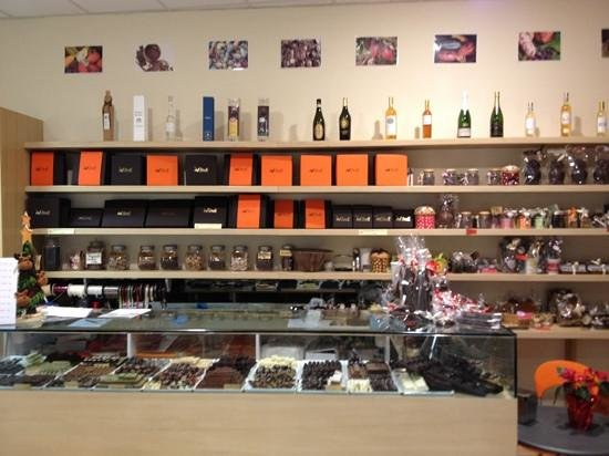 MV Vitali:                   cioccolateria