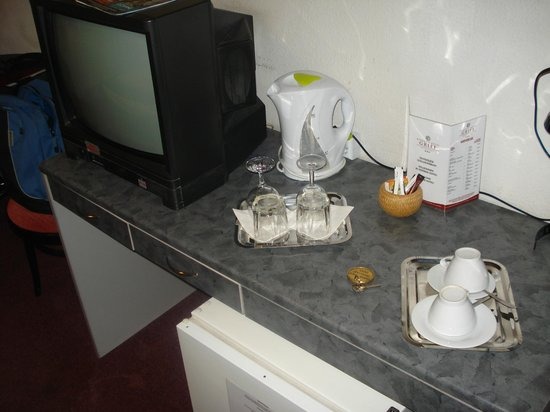 Griff Hotel: Tea and coffee making facilities