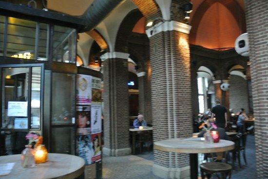 Cafe restaurant de boterwaag den haag for Den haag restaurant