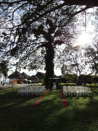 Royal Decameron Beach Resort, Golf & Casino:                   Wedding setup