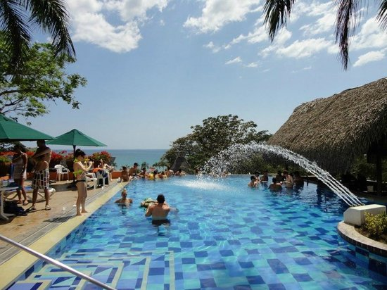 Royal Decameron Beach Resort, Golf & Casino:                   Adult Swim Up Bar