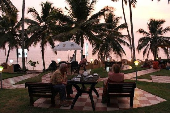Black Beach Resort:                   In front of hotel, ocean is in several meters from there...