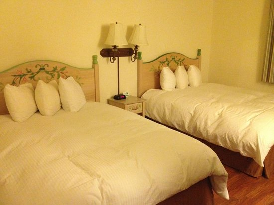 BEST WESTERN Tyrolean Lodge: Comfortable beds