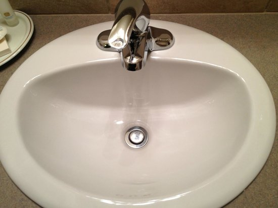 Best Western Tyrolean Lodge: Clean Sink