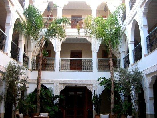 Vue Du Bar Vers Le Jardin Piscine Photo De Riad Villa