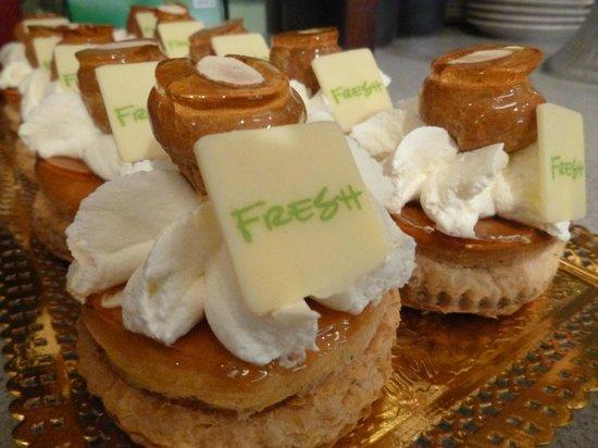 Fresh Bakery & Market : Decadent Pastries