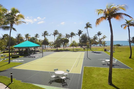 Hilton Ponce Golf & Casino Resort: Multi-Purpose court and giant chess board