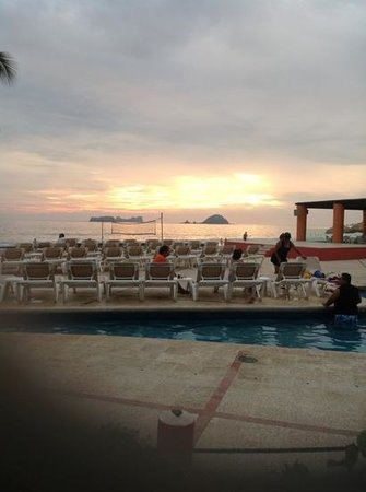 Holiday Inn Resort Ixtapa:                   atardecer