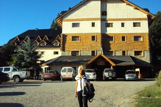 Intersur Amancay:                   Frente del hotel