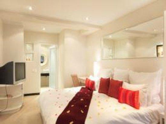 Primi Seacastle Guest House: Classic Suite with Seaview & Patio