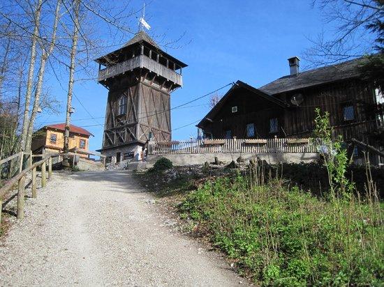 Siriuskogl: Gipfel mit Aussichtsturm und Gasthof