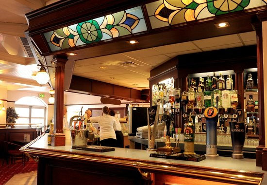 The Auctioneer: Auctioneer Bar