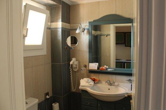Delfino Blu Boutique Hotel:                   Salle de bain