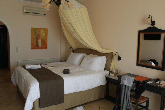 Delfino Blu Boutique Hotel:                   Le lit