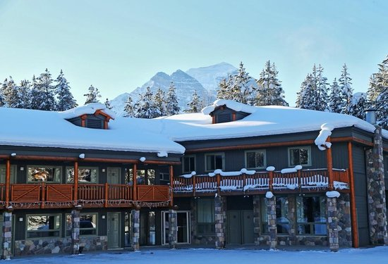 Mountaineer Lodge Winter