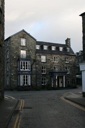 The Royal Ship Hotel