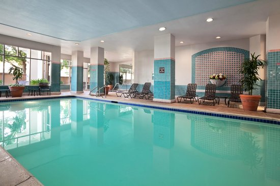 Embassy Suites by Hilton Hotel San Rafael - Marin County / Conference Center: Indoor Pool