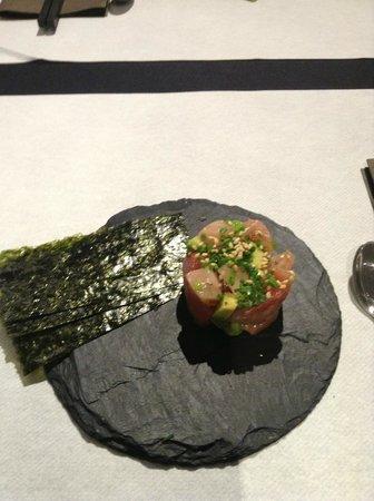 Futami:                   Tarta de salmon con nori, que rico!