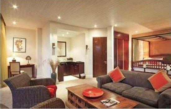 Primi-Royal: Superior Suite with Seaviews & Spa Bath on Patio