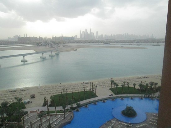 Atlantis, The Palm:                   Fantastic view from 11th Floor, Palm facing