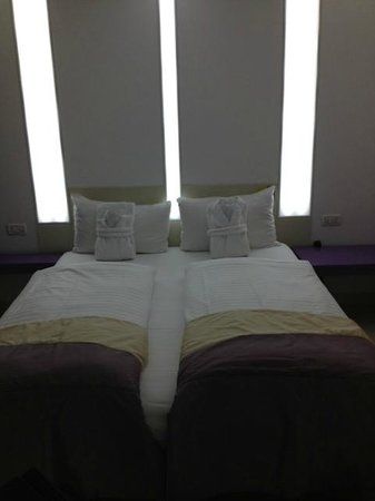 Hotel Christina:                                     purple room