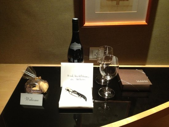 Grand Hyatt Taipei:                   Diamond Amenity for Diamond Club Members