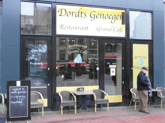 Grand Café Dordts Genoegen :                   Look on the entrance of Grand Cafe Dordts Genoegen