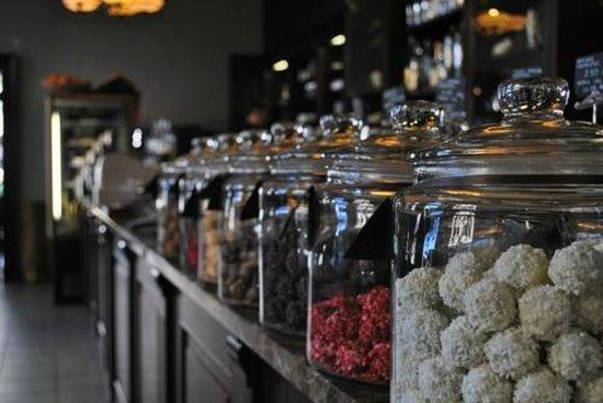Emils Gustavs Chocolate: Truffle jars