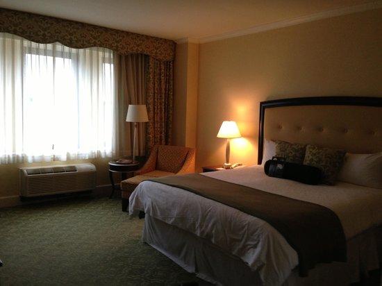 Omni Shoreham Hotel:                                     King room, 6th floor, facing Calvert Street