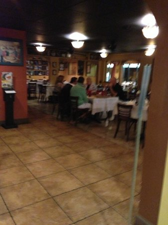 Mamma Mia Italian Restaurant & Pizzeria: Inside Dining Room