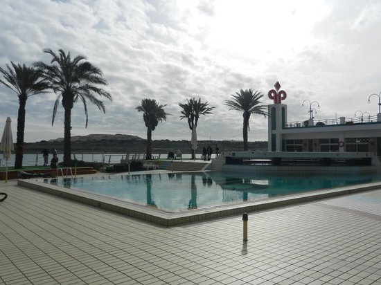 Qawra Palace Hotel: Outside Pool (Unheated)