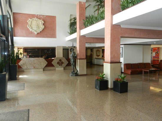 Qawra Palace Hotel: Reception Area