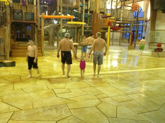 Great Wolf Lodge:                   Barrel Area